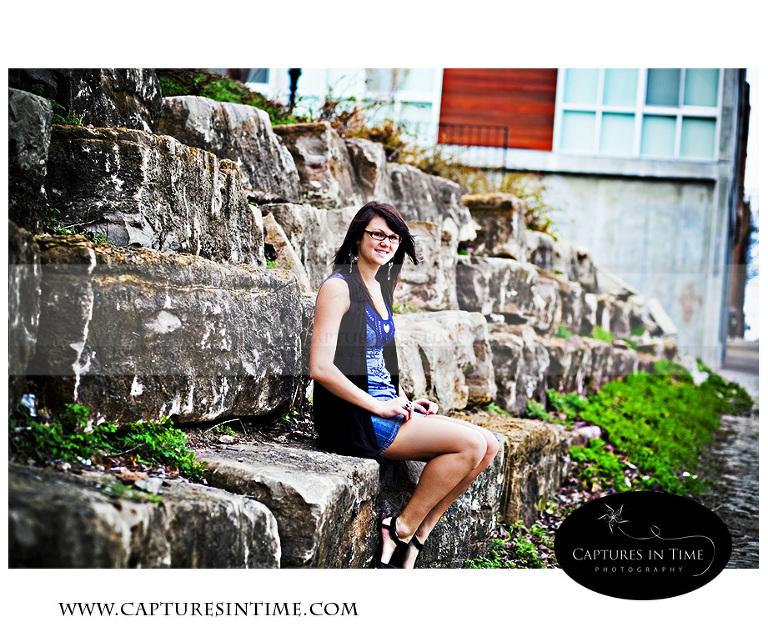 Kansas City Photographer senior girl sitting on rocks