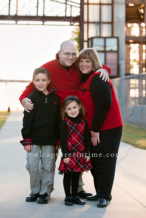 rivermarket family in red