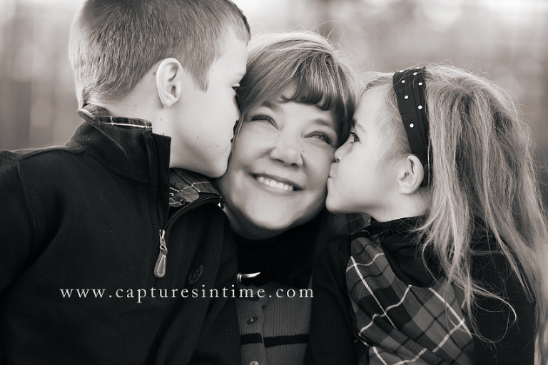 A Christmas Session in the Rivermarket | Kansas City