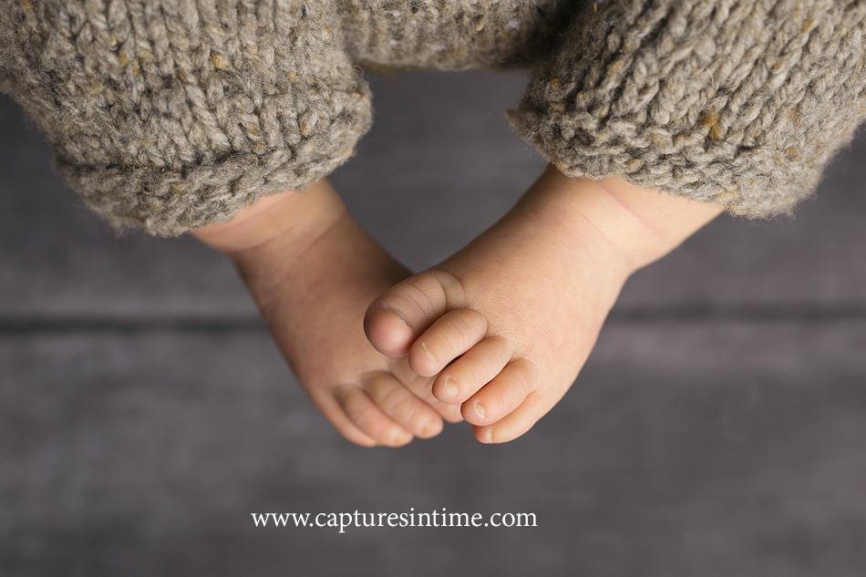 newborn toes macro