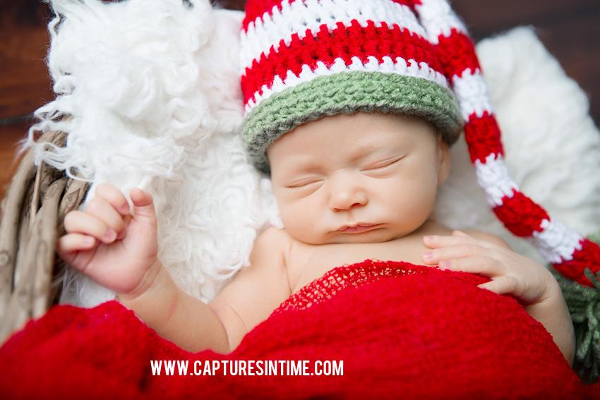 Kansas City Christmas Newborn Photos