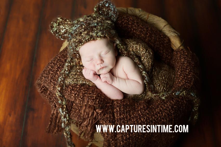 Kansas City Newborn Photographer neutral colors