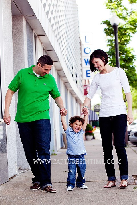 A Session Before Dad is Deployed | Kansas City mom and dad walking with boy