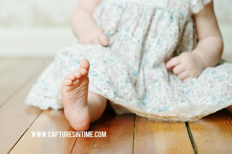 Kansas City baby feet by Melissa Pfannenstiel Photographer
