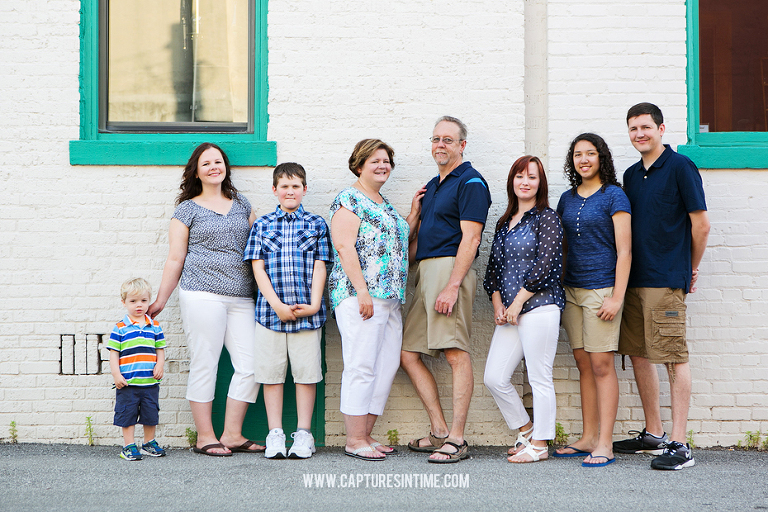Extended Family Session | Downtown Lees Summit MO