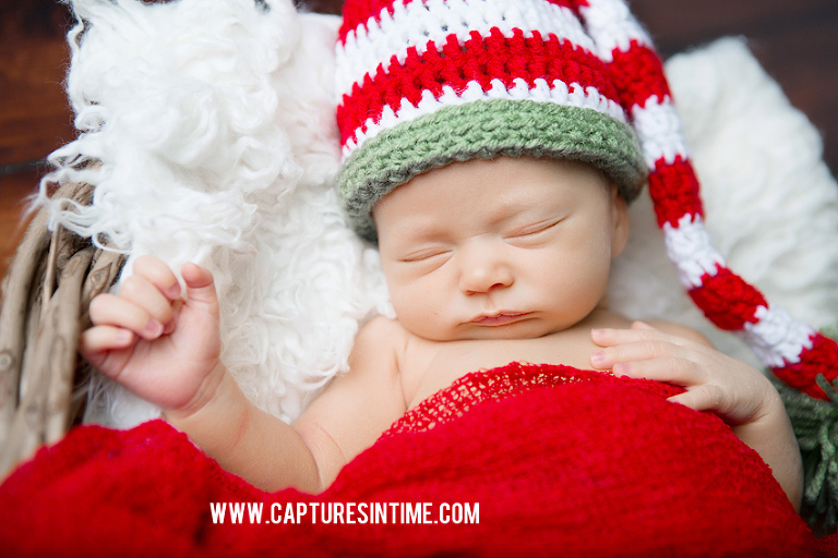 Kansas City Christmas Newborn Photos